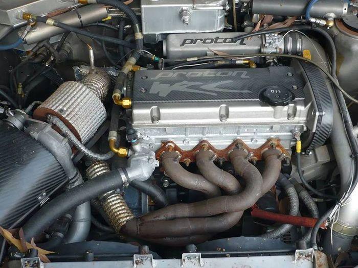 Разработката на Протон базирана върху легендарният 4G63T двигател на Митсубиши